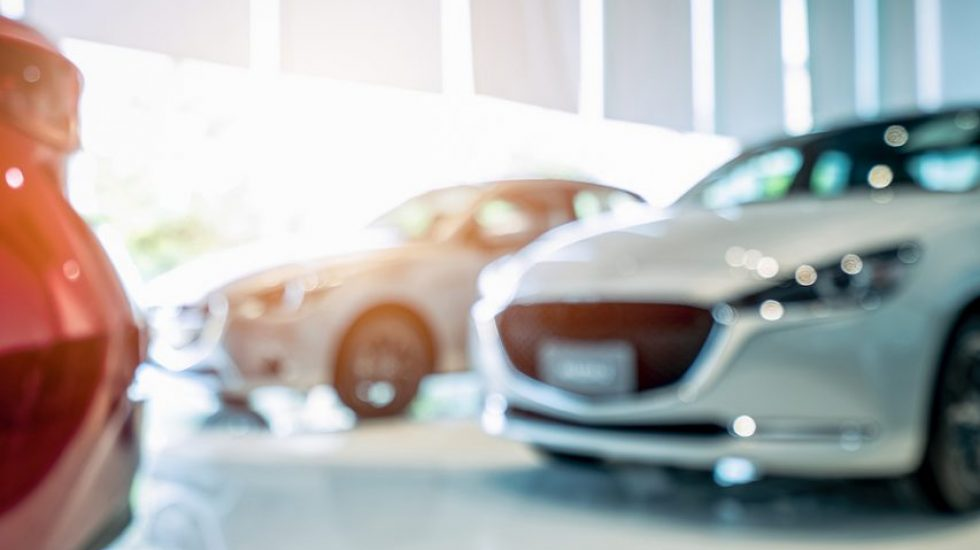 Can I Switch My Car Insurance Mid Policy? Here's What To Consider.
